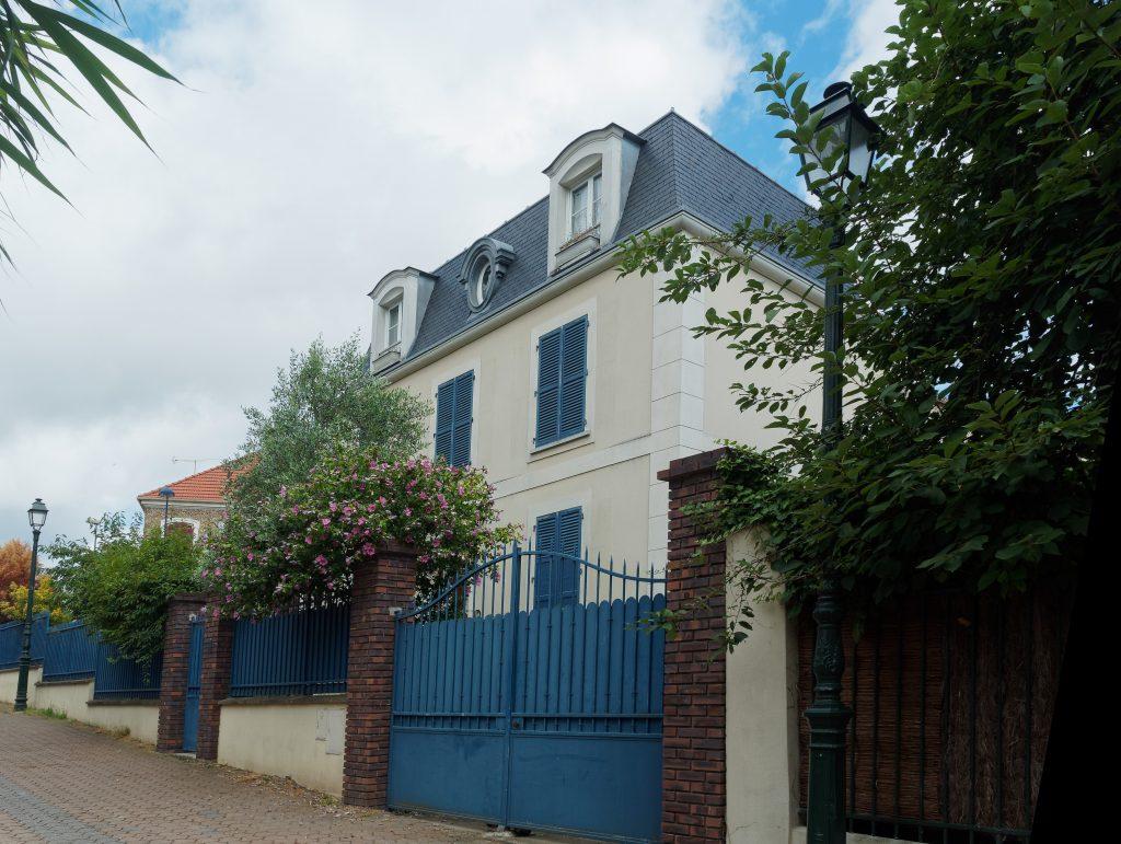 La maison de Jacques Désiré Bourgeois et Marie-Albertine Lemarié, les grands-parents de Louise Bourgeois.